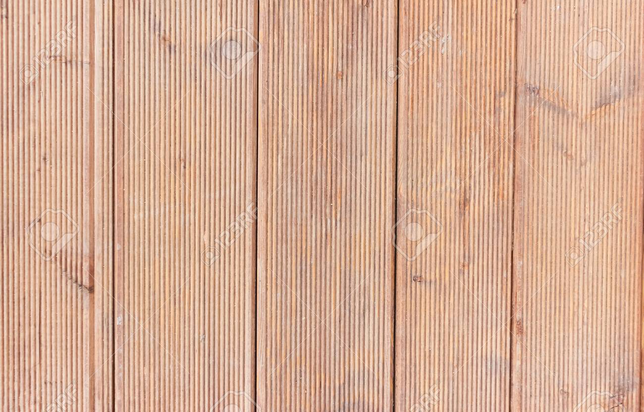 How to paint boards from larch 54