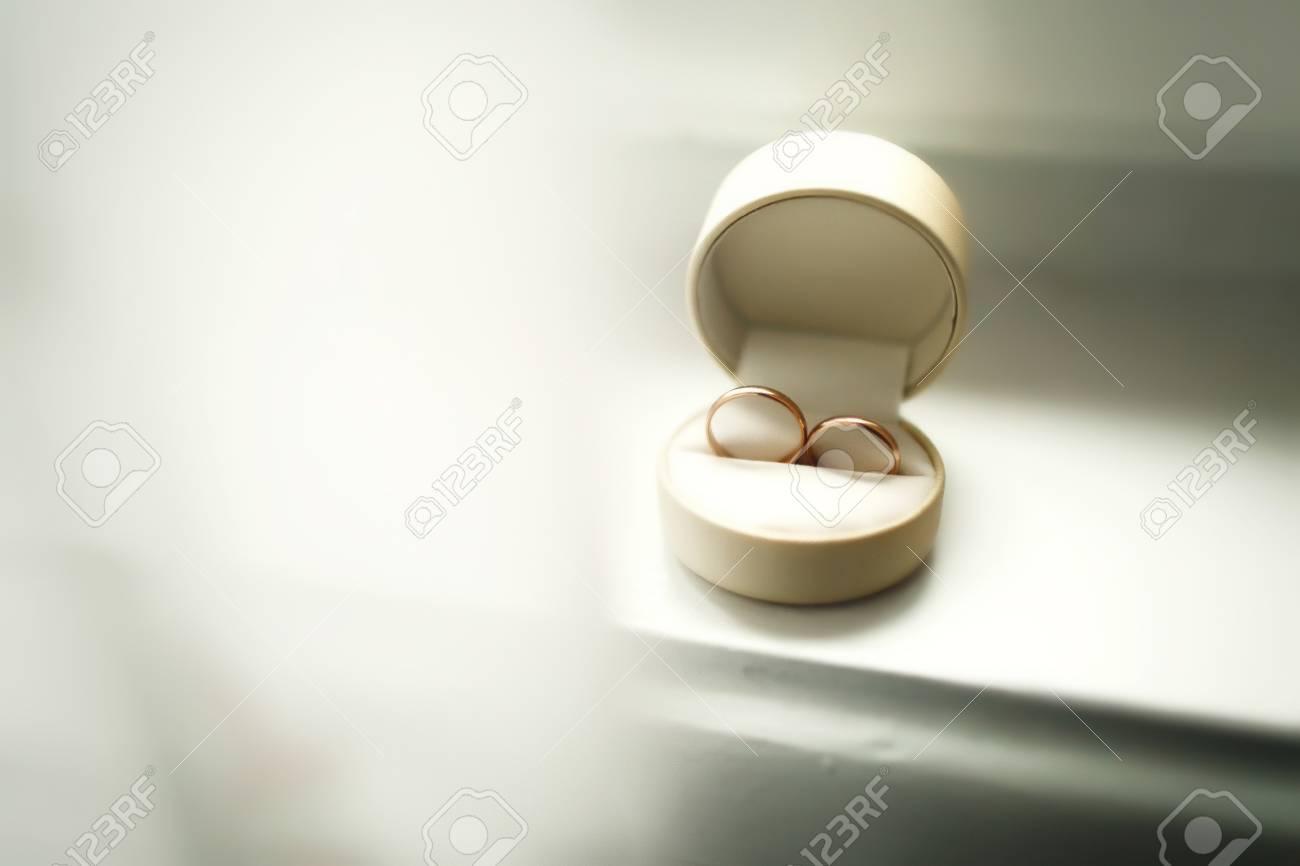 Schone Luxus Hochzeit Ringe In Der Box Lizenzfreie Fotos Bilder Und