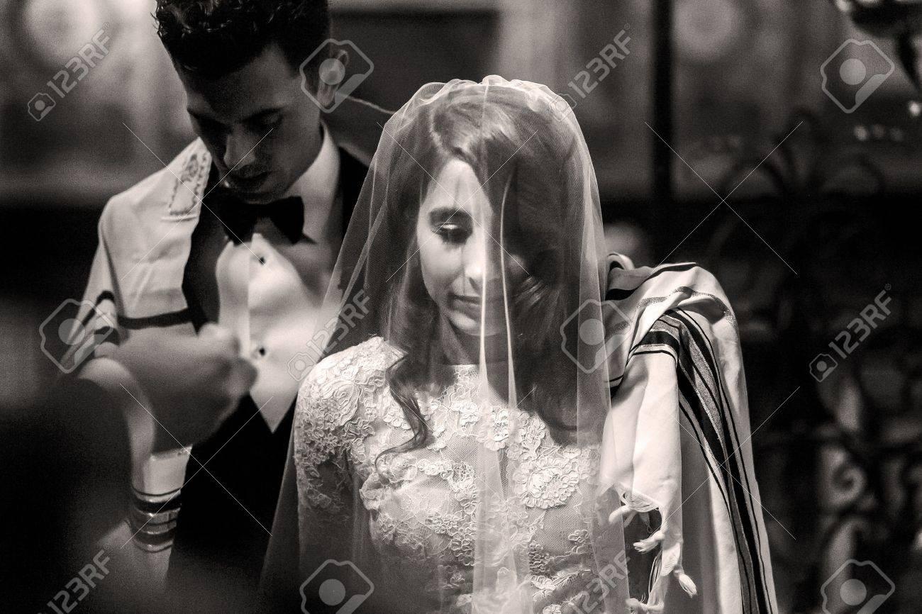 Judische Hochzeit Schwarzweiss Bild Der Brautigambedeckung Mit Den