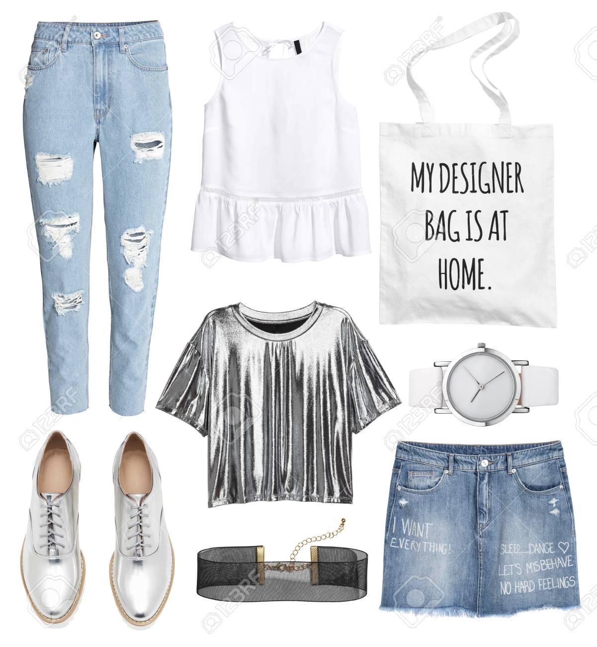 size 40 98de6 6f975 Un insieme di vestiti alla moda e accessori su uno sfondo bianco
