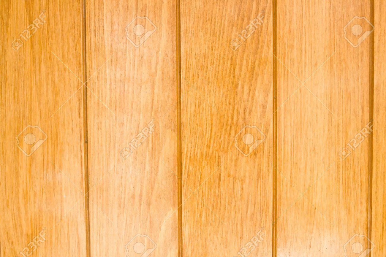 Pareti interne di fronte a pannelli di legno. foto royalty free ...