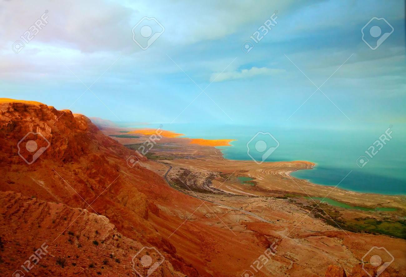 Die Landschaft Des Toten Meeres Küste Bei Sonnenuntergang ...