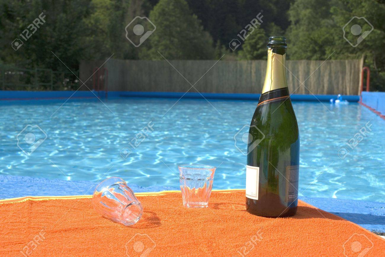 The day after the party by the swimming-pool Stock Photo - 1158551