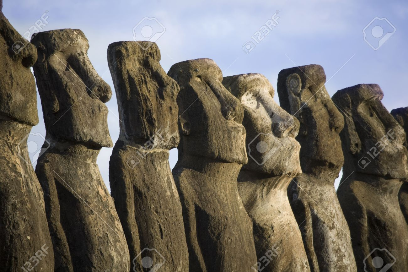 mysterious statues at easter island Stock Photo - 3125327