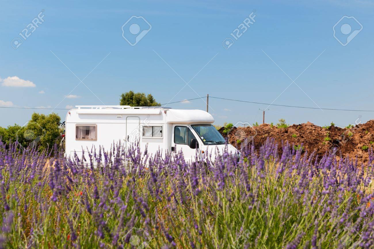 Reisen mit Wohnmobil in der Provence Französisch