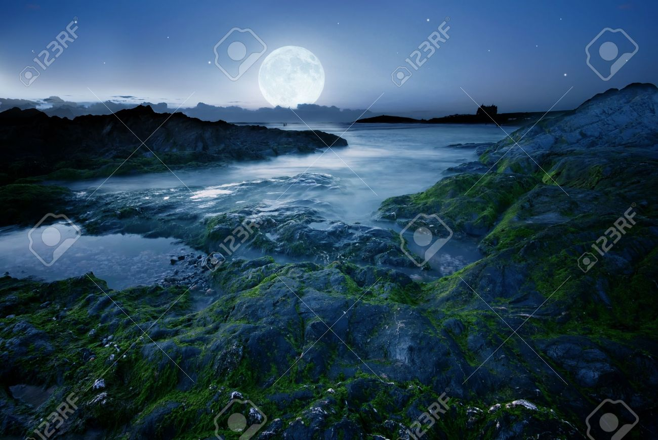 Full moon over the coast in Cornwall, UK Stock Photo - 8966899