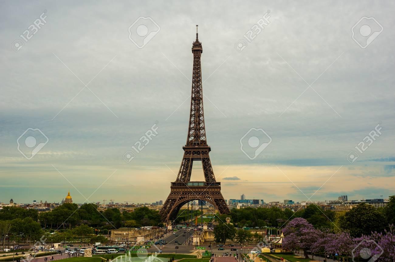 The Eiffel tower Paris Stock Photo - 14151730