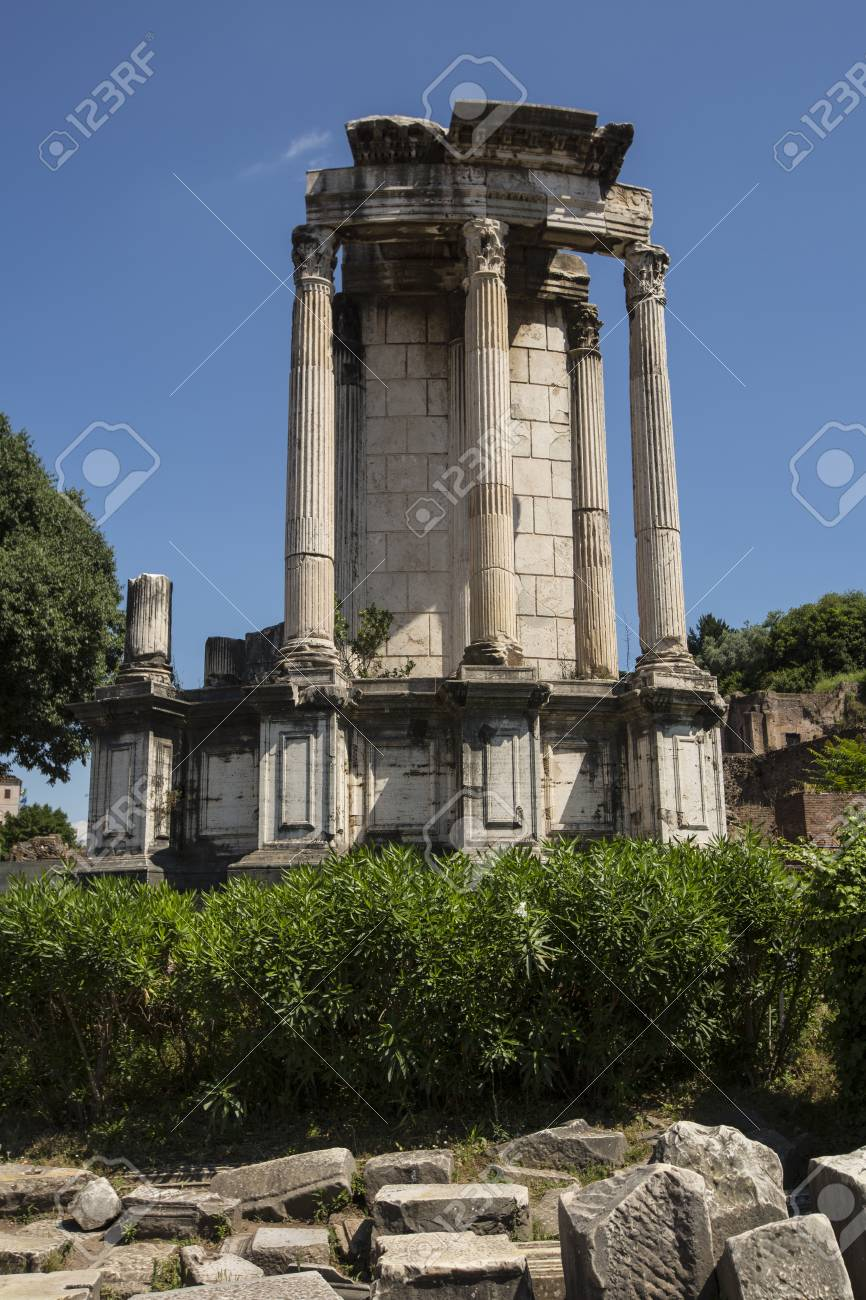 Detail of standing columns from an ancient Roman ruin in the Forum, Italy, Rome. Stock Photo - 31605371