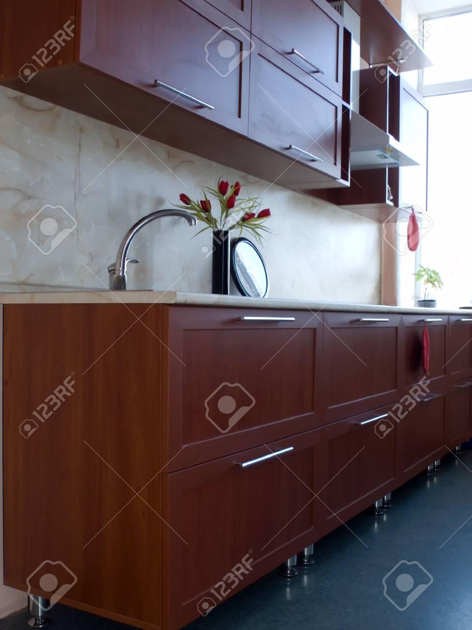 Neue Küchenmöbel Küche Schrank Und Tisch Lizenzfreie Fotos Bilder