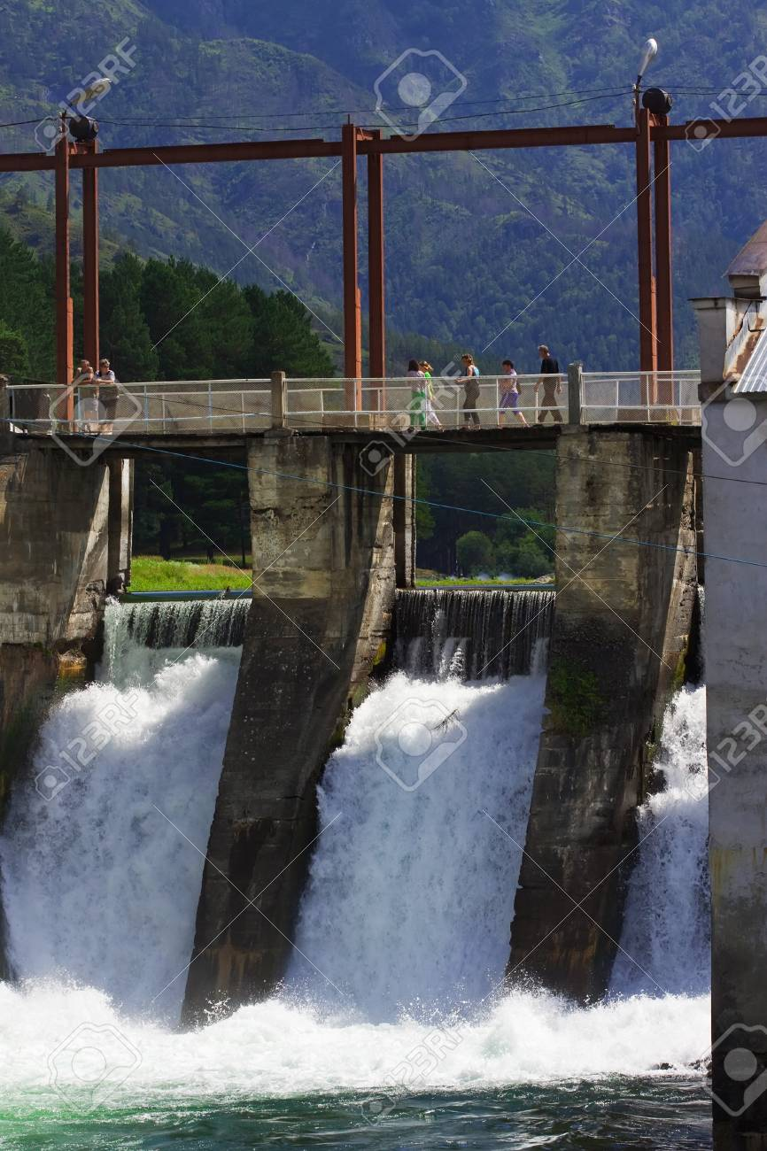 hydro-electric power station on Chemal, Altai, Siberia Stock Photo - 10704891