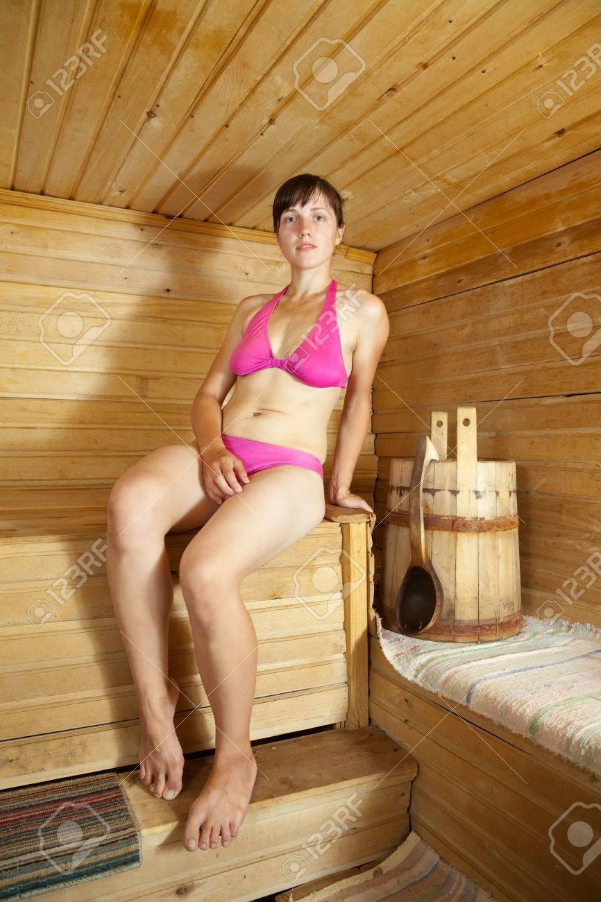 Смотреть в бане женщины