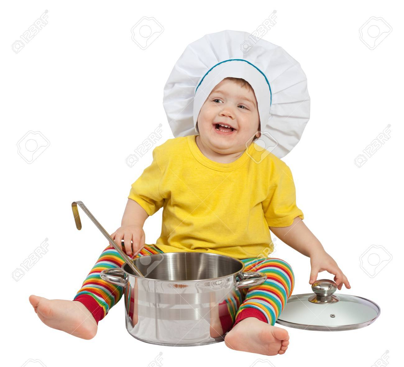 Baby cook in toque with  pan. Isolated over white background Stock Photo - 14471451