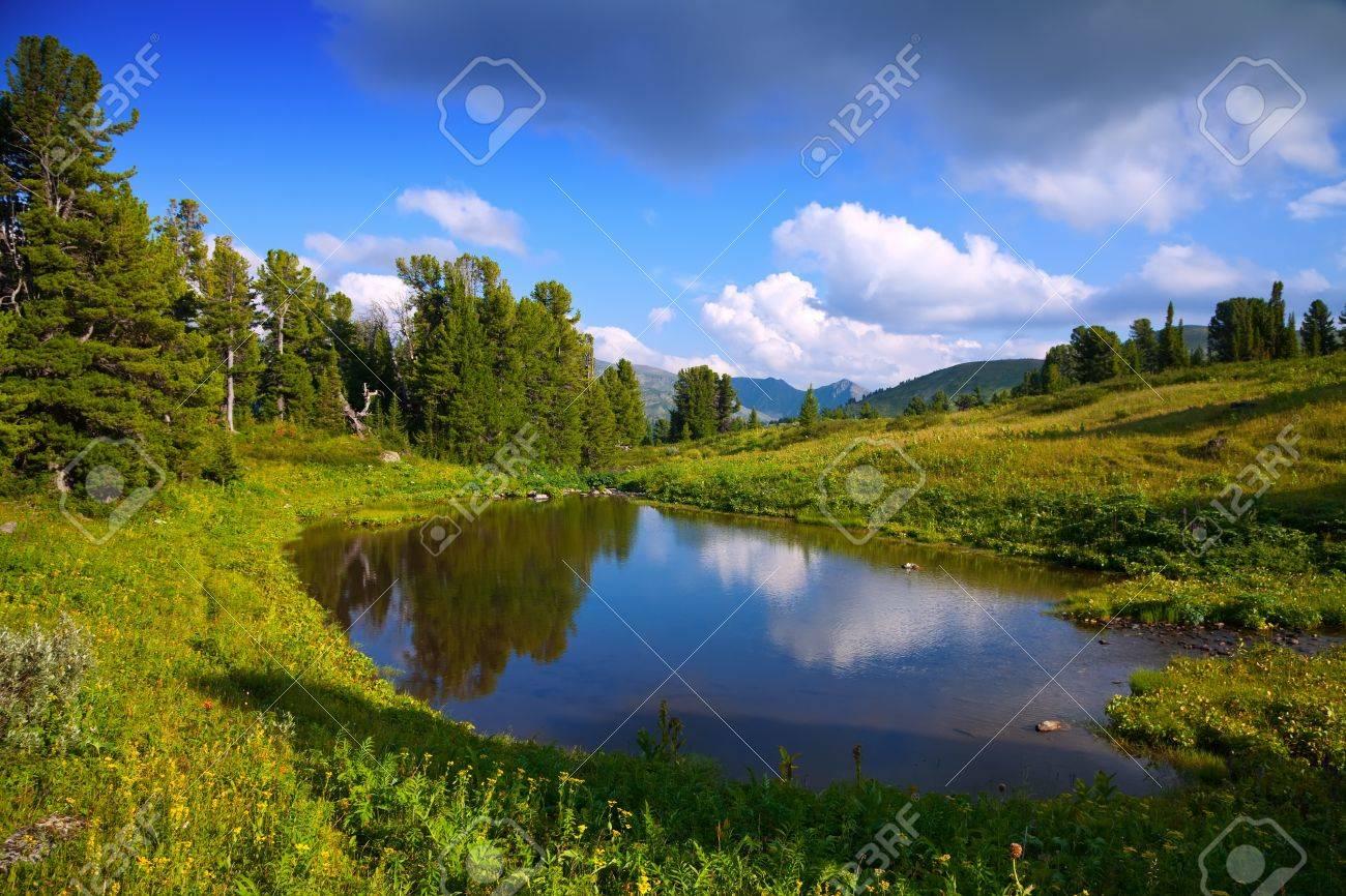 horizontal landscape with mountains lake.   Altai, Suberia Stock Photo - 14757423