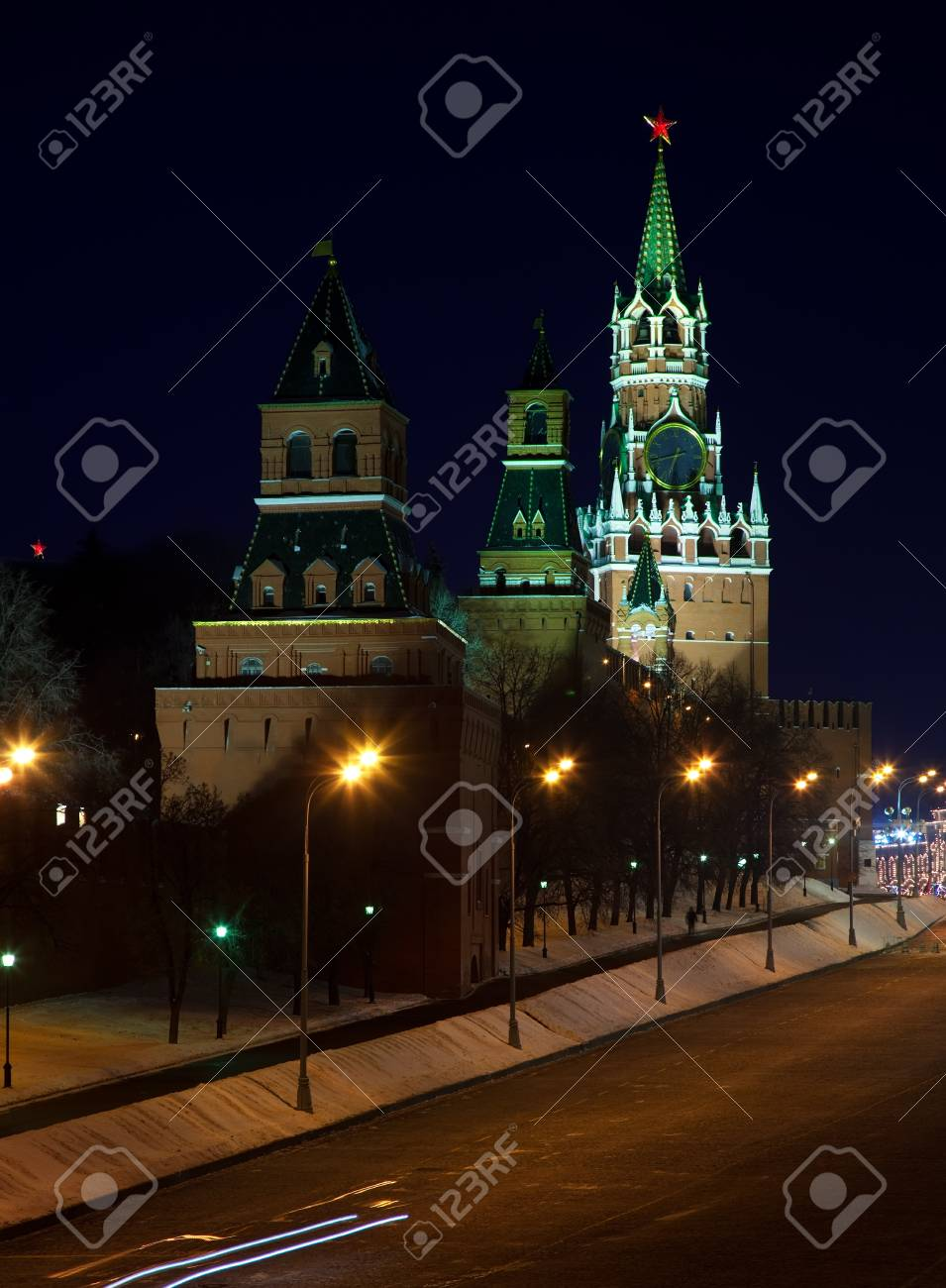 Towers at Moscow Kremlin in night. Moscow, Russia Stock Photo - 15640768