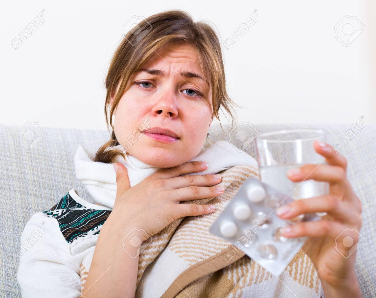 痛み 喉 物質 の 抗生