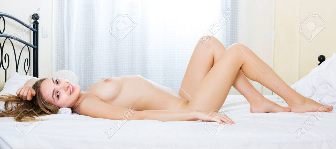 fille nue nue chaude grosse chatte fille