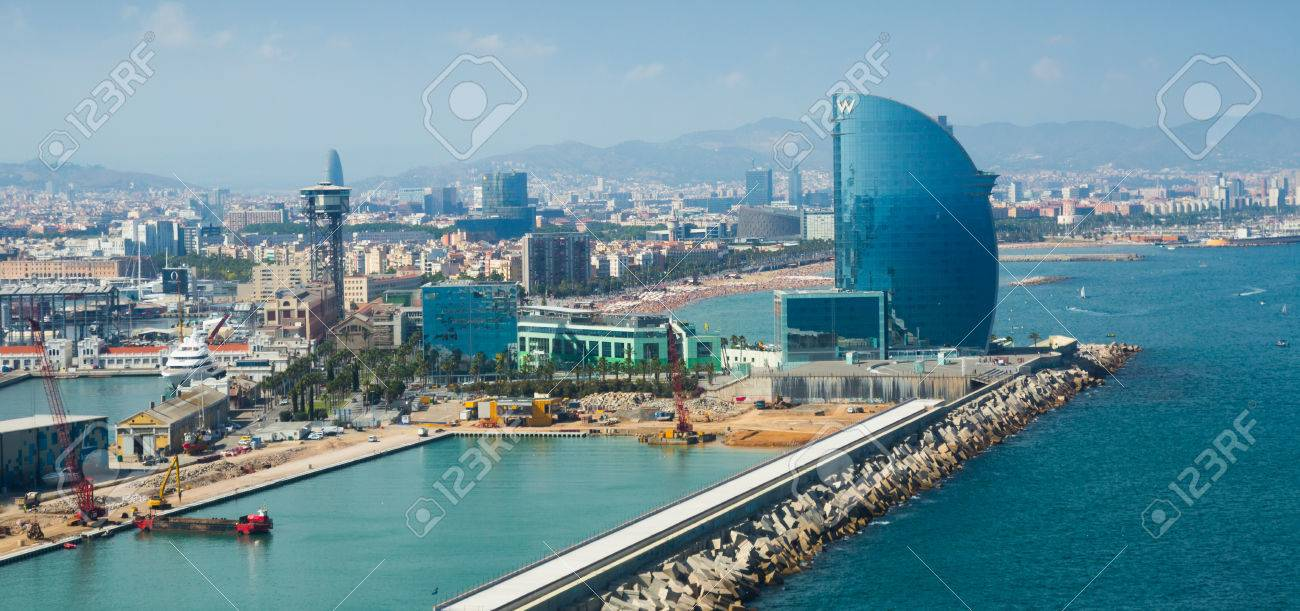 BARCELONA, SPAIN   JULY 8, 2016: General View At Seaside And Famous Hotel