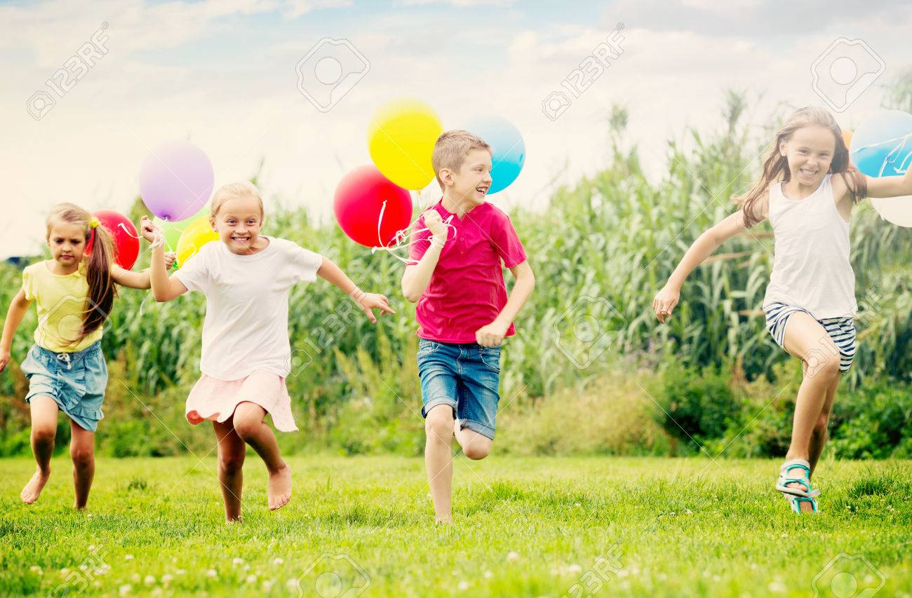https://previews.123rf.com/images/jackf/jackf1703/jackf170302309/74181192-active-kids-having-fun-and-running-with-multicolored-balloons-at-backyard-in-summer-time.jpg