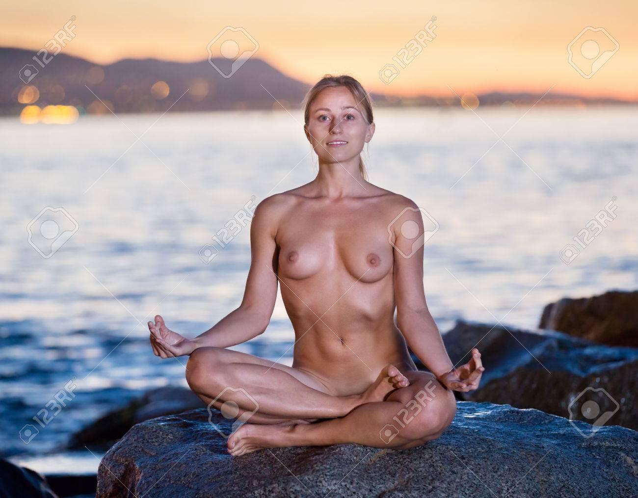 Porn actress nude pics
