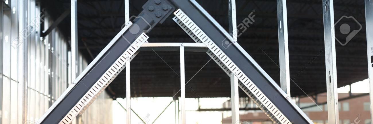 Estructura De Vigas De Metal En Lugar De Construccin La
