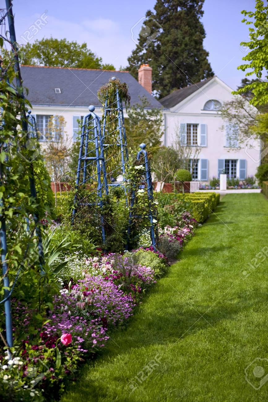 Jardin Classique À La Française belle jardin classique d & # 39 ; une résidence française
