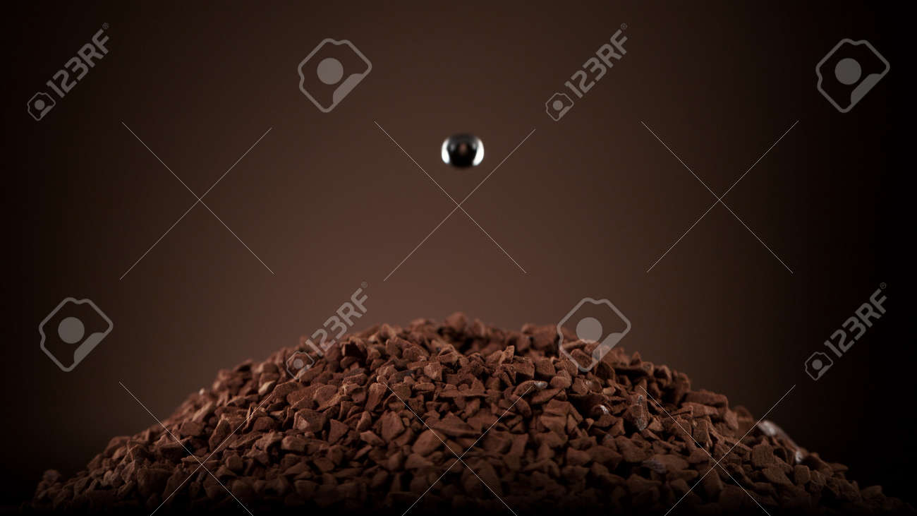 Detail of coffee drink being pour into foamy coffee drink. Abstract coffee background. - 168969834