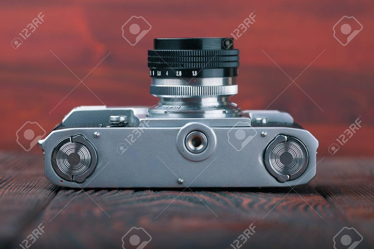 Entfernungsmesser Für Fotografie : Die alte entfernungsmesser kamera n der hölzernen hintergrund