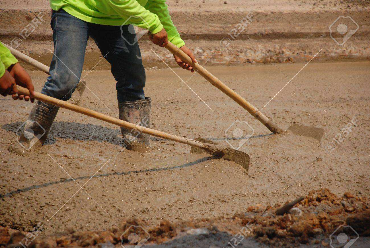 Builders pouring cement Stock Photo - 18409756