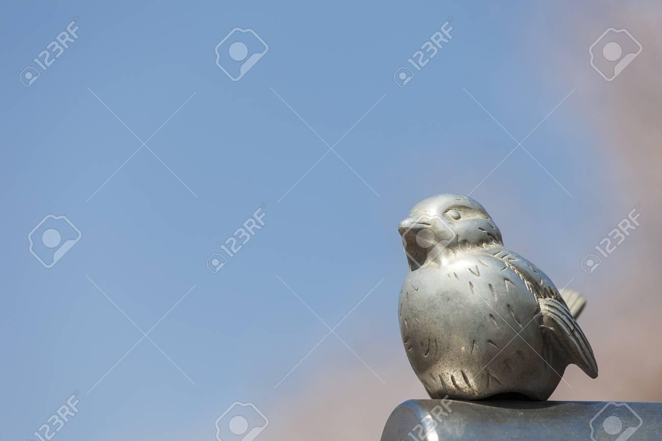 Bird sculpture - 100331172