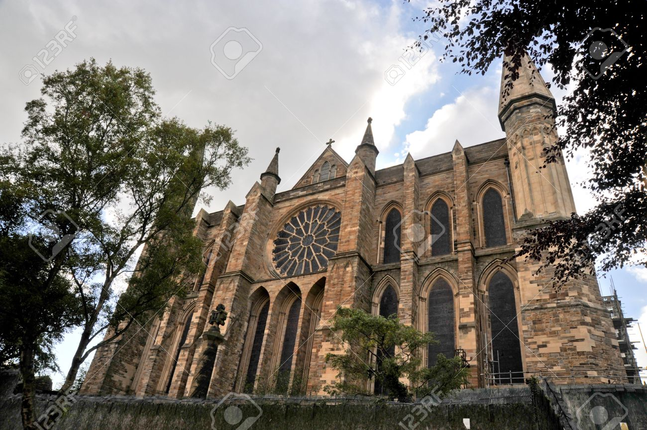 Durham cathedral facade and rose window - 6607600