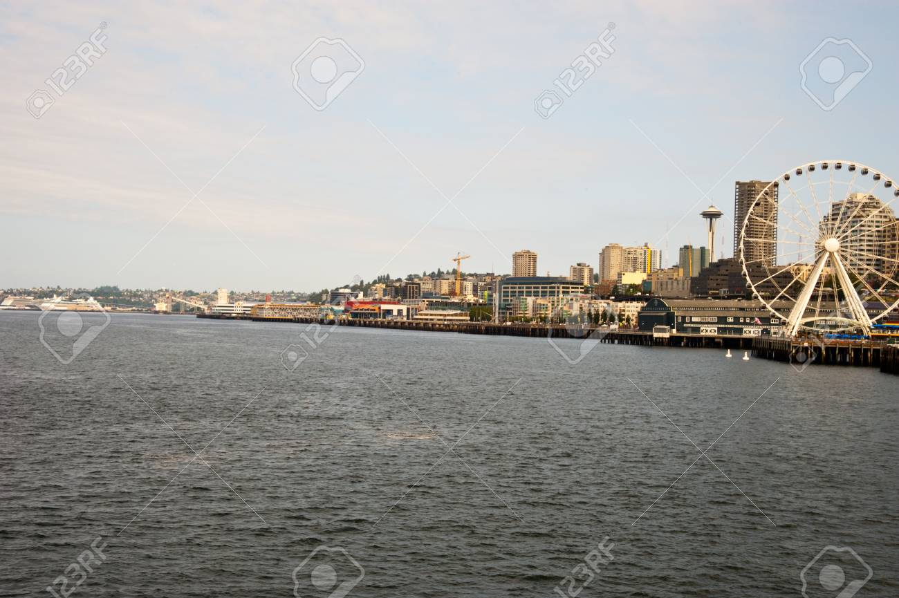View of downtown Seattle, WA - 89407572