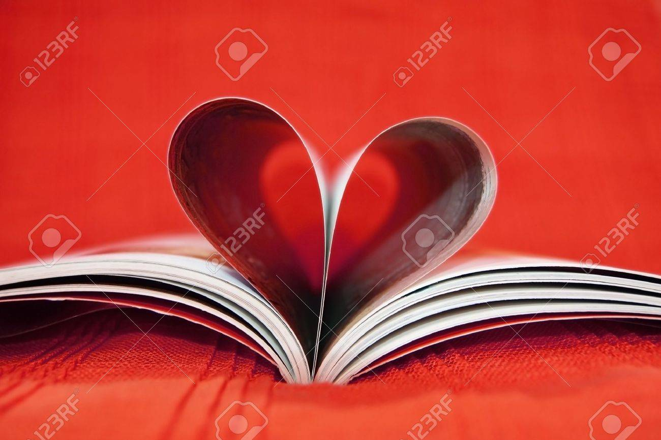 Red heart book - 11781341