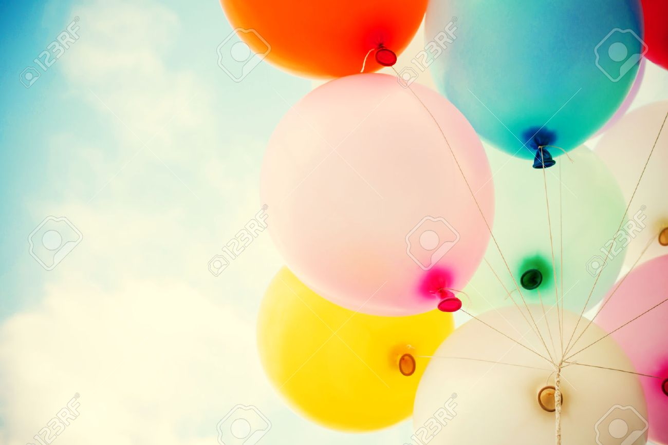 vintage heart balloon with colorful on blue sky concept of love in summer and valentine, wedding honeymoon Stock Photo - 36355610