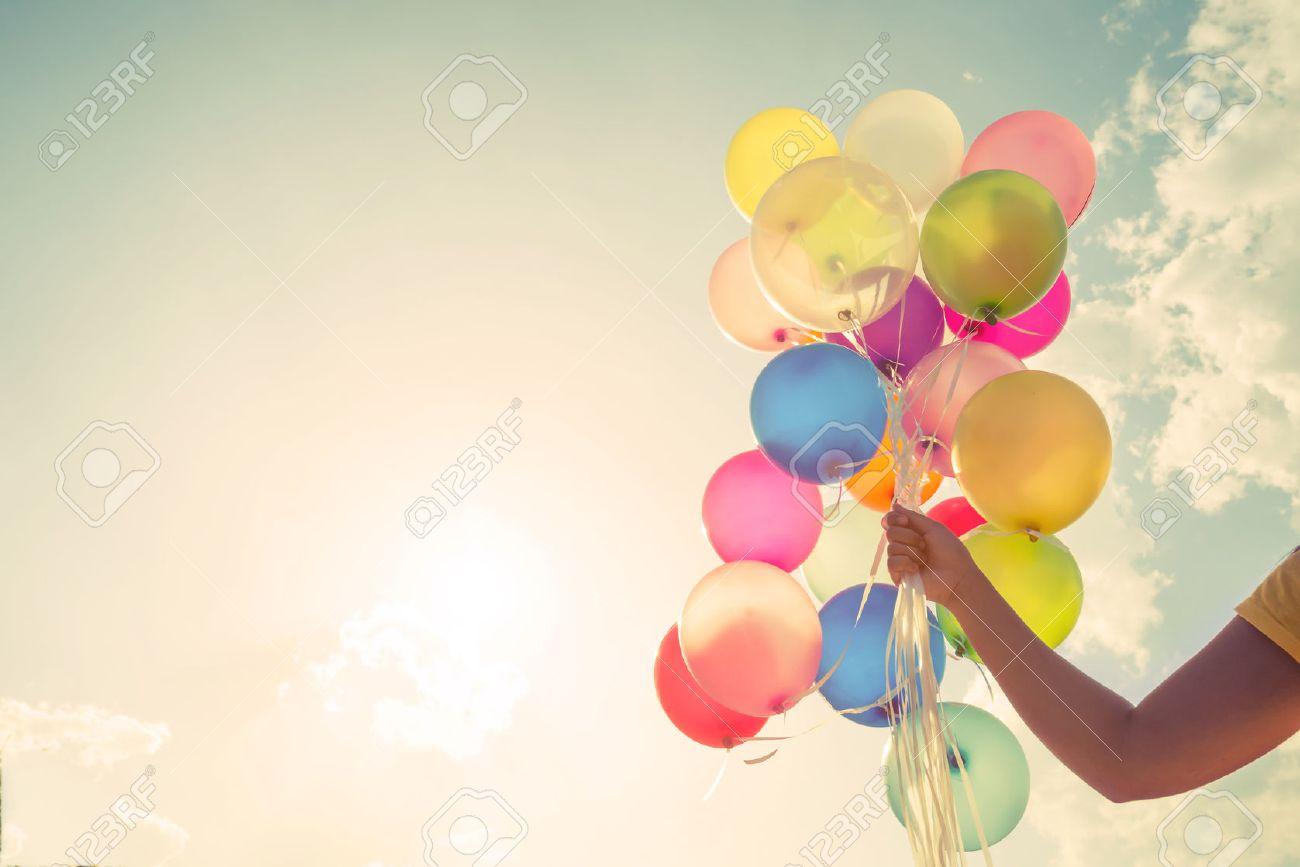 Madchen Hand Bunte Luftballons Getan Mit Einem Retro Vintage