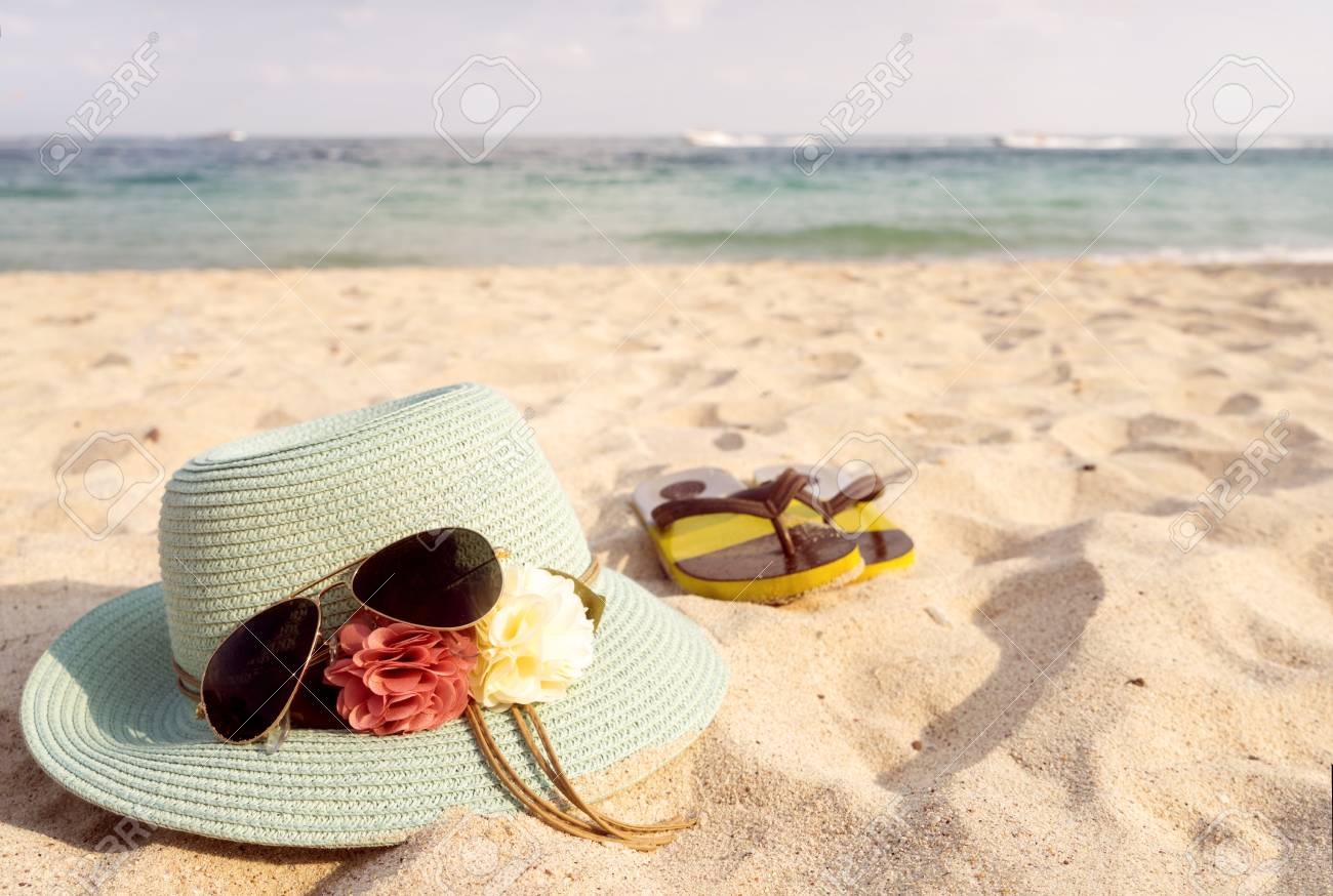 420b77933ce0 Stock Photo - Summer vacation concept with straw hat