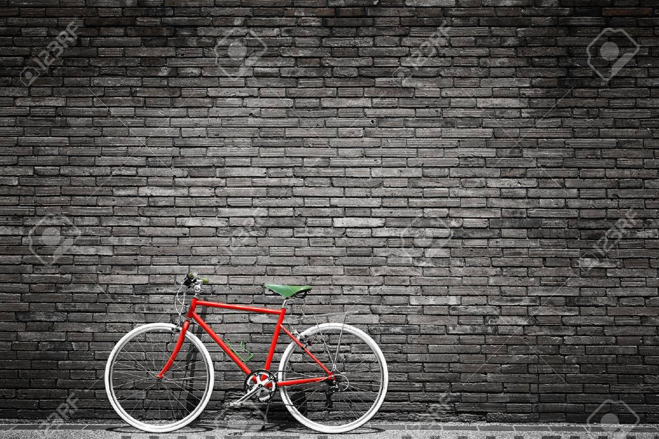 Photo Noir Et Blanc De Vélo Rouge Cru Styles Deffets De Filtre De Grain De Film
