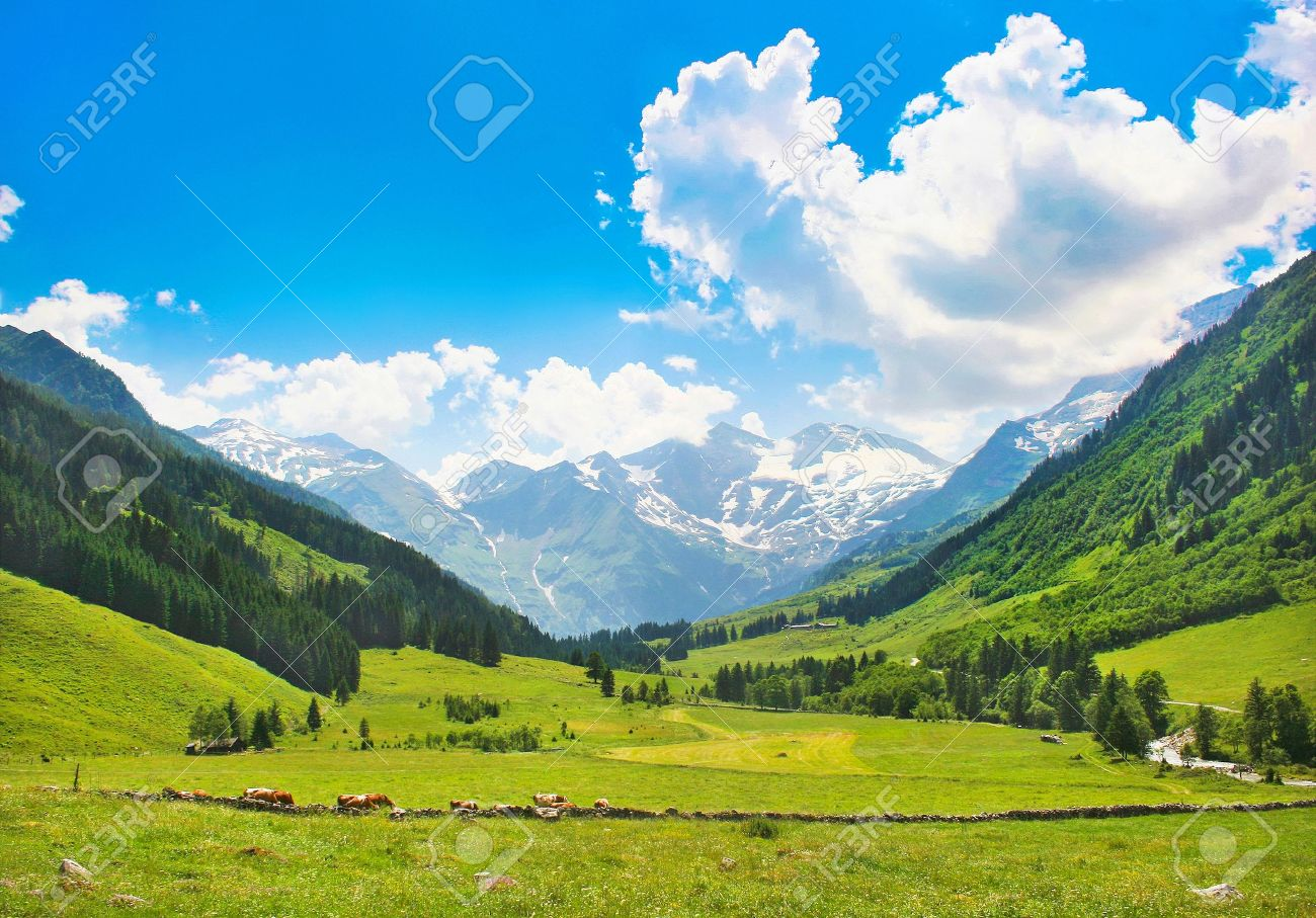 Beautiful landscape with the Alps in Nationalpark Hohe Tauern, Salzburg, Austria - 14945904