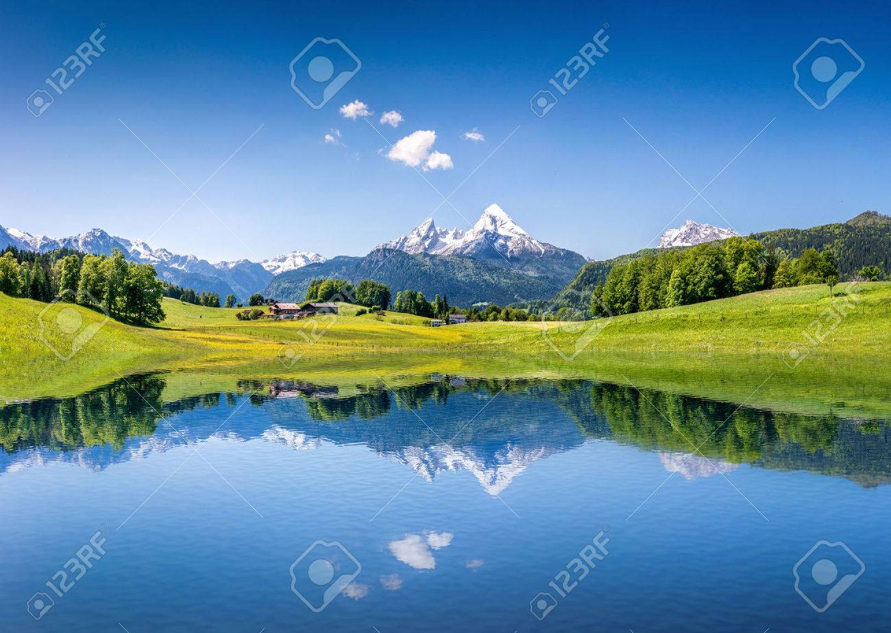 Idyllic summer landscape with clear mountain lake in the Alps - 30069953