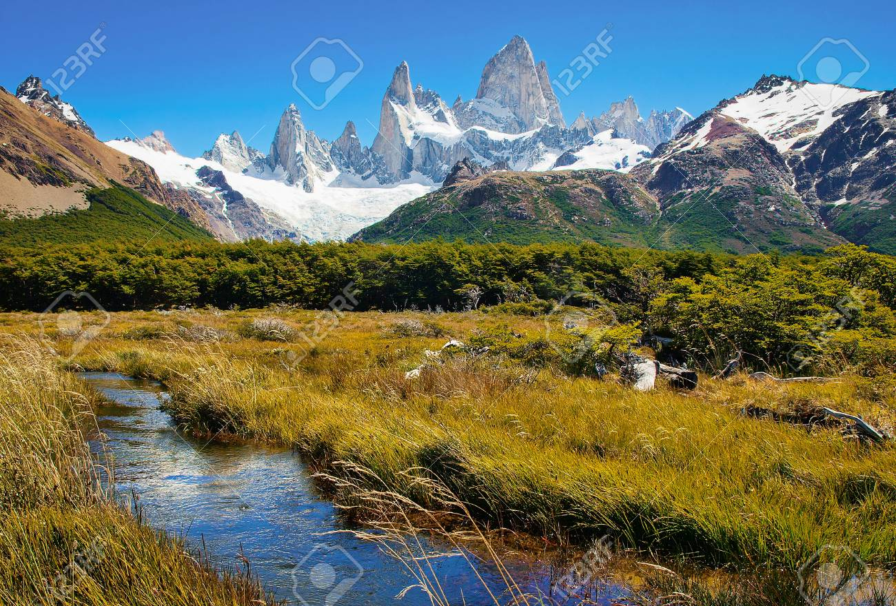 Beautiful landscape with Mt Fitz Roy in Los Glaciares National Park, Patagonia, Argentina, South America - 95513383