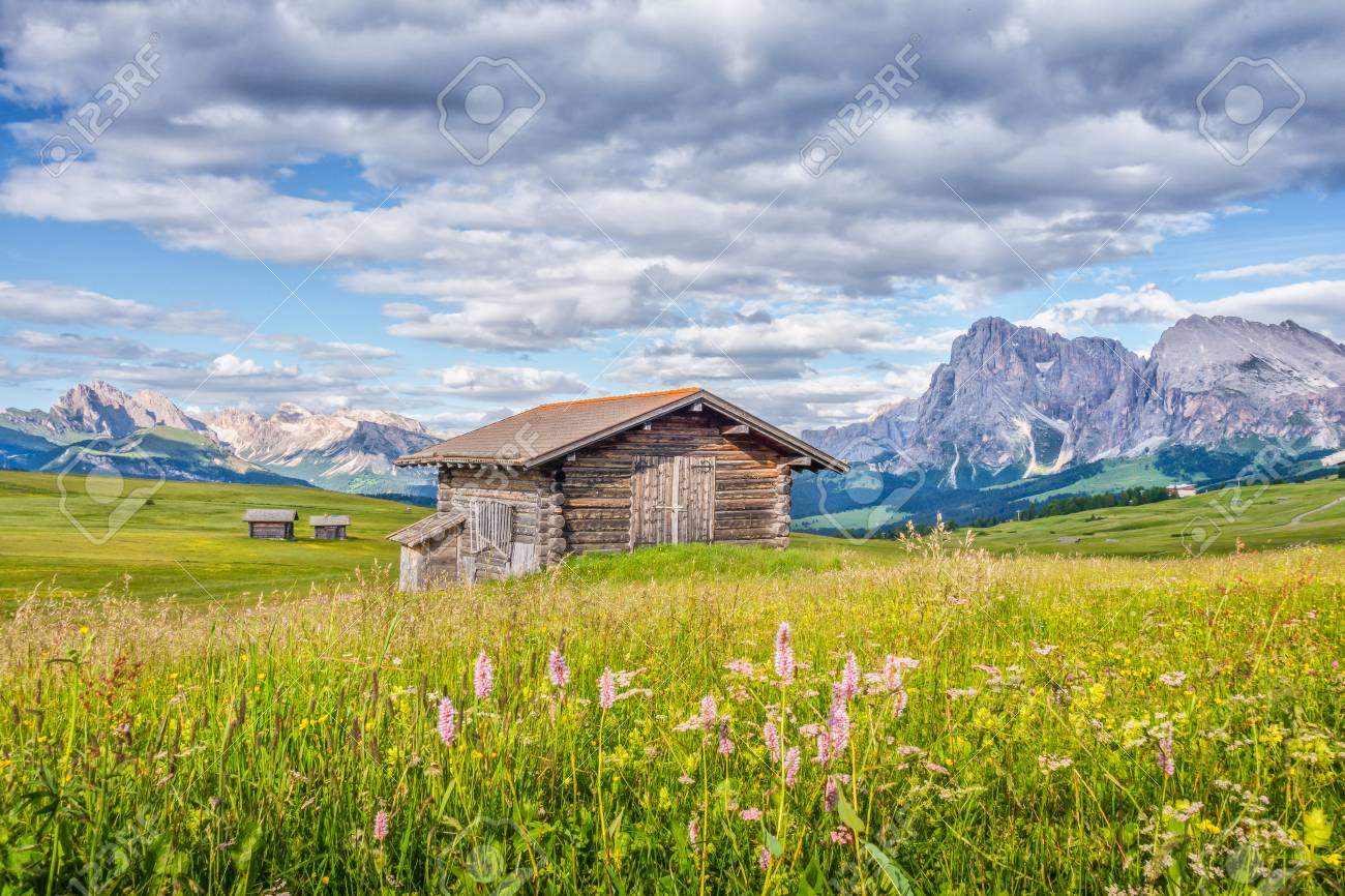 Beautiful view of idyllic alpine mountain scenery with traditional