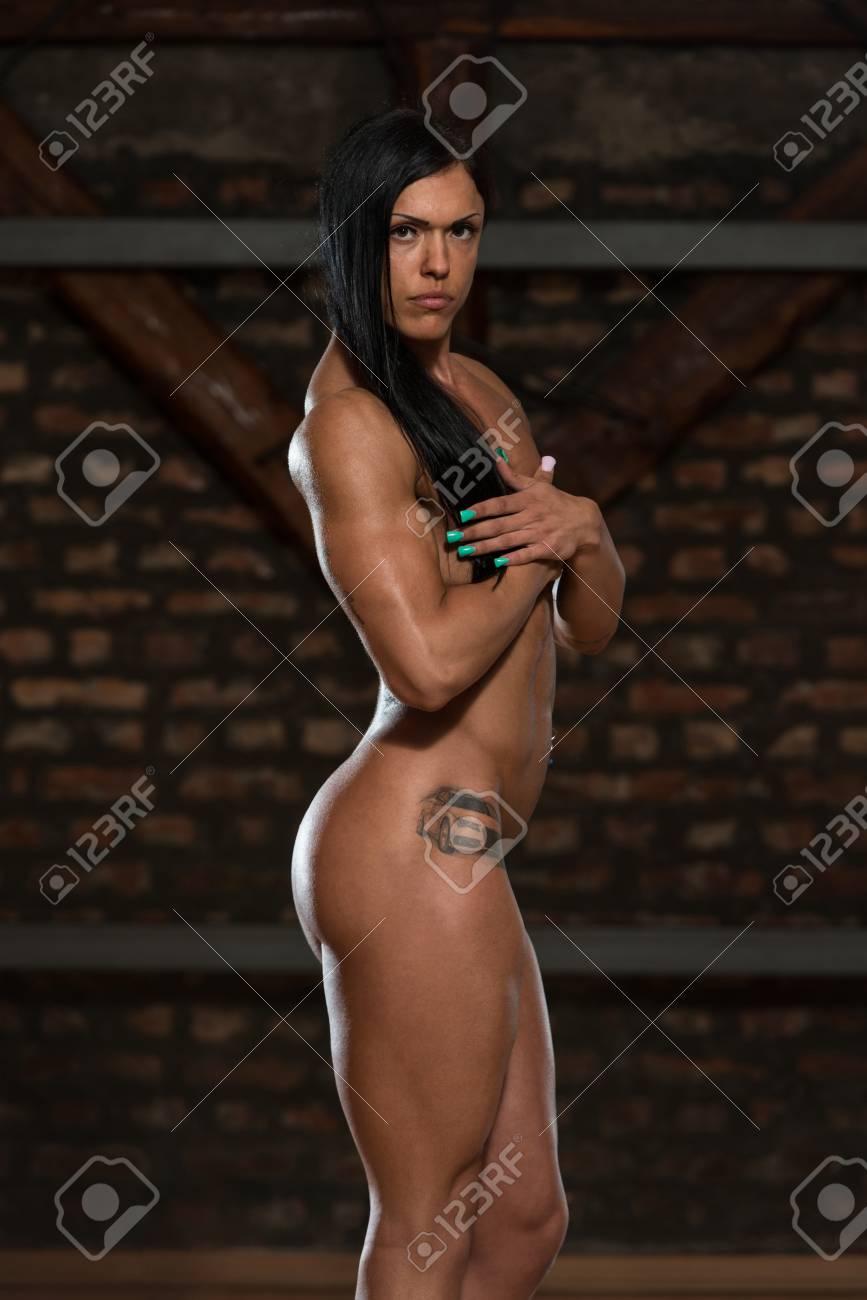 Sexy Junge Frau Die Ihren Gut Ausgebildeten Körper Nackt Zeigt