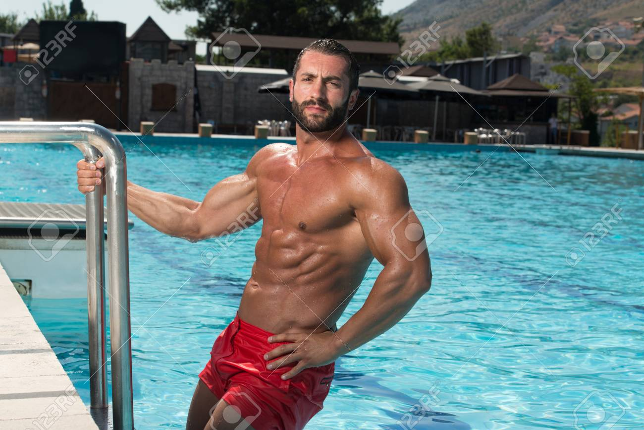 Swimming Pool Fuck Amateur