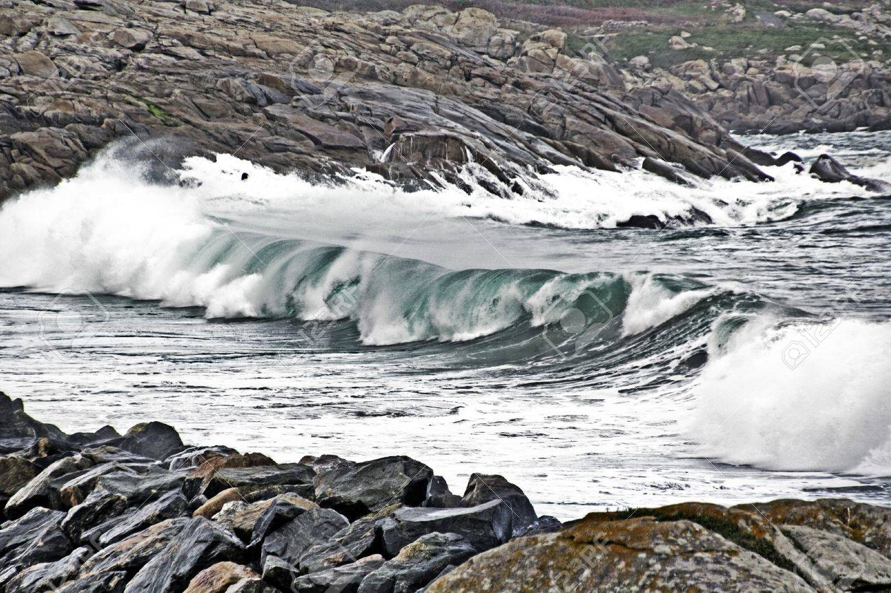 Waves in the Atlantic Ocean on a stormy day Stock Photo - 12347040