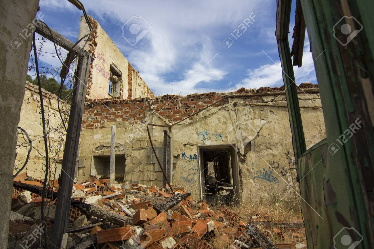house destroyed by an explosion full of debris Stock Photo - 18563103