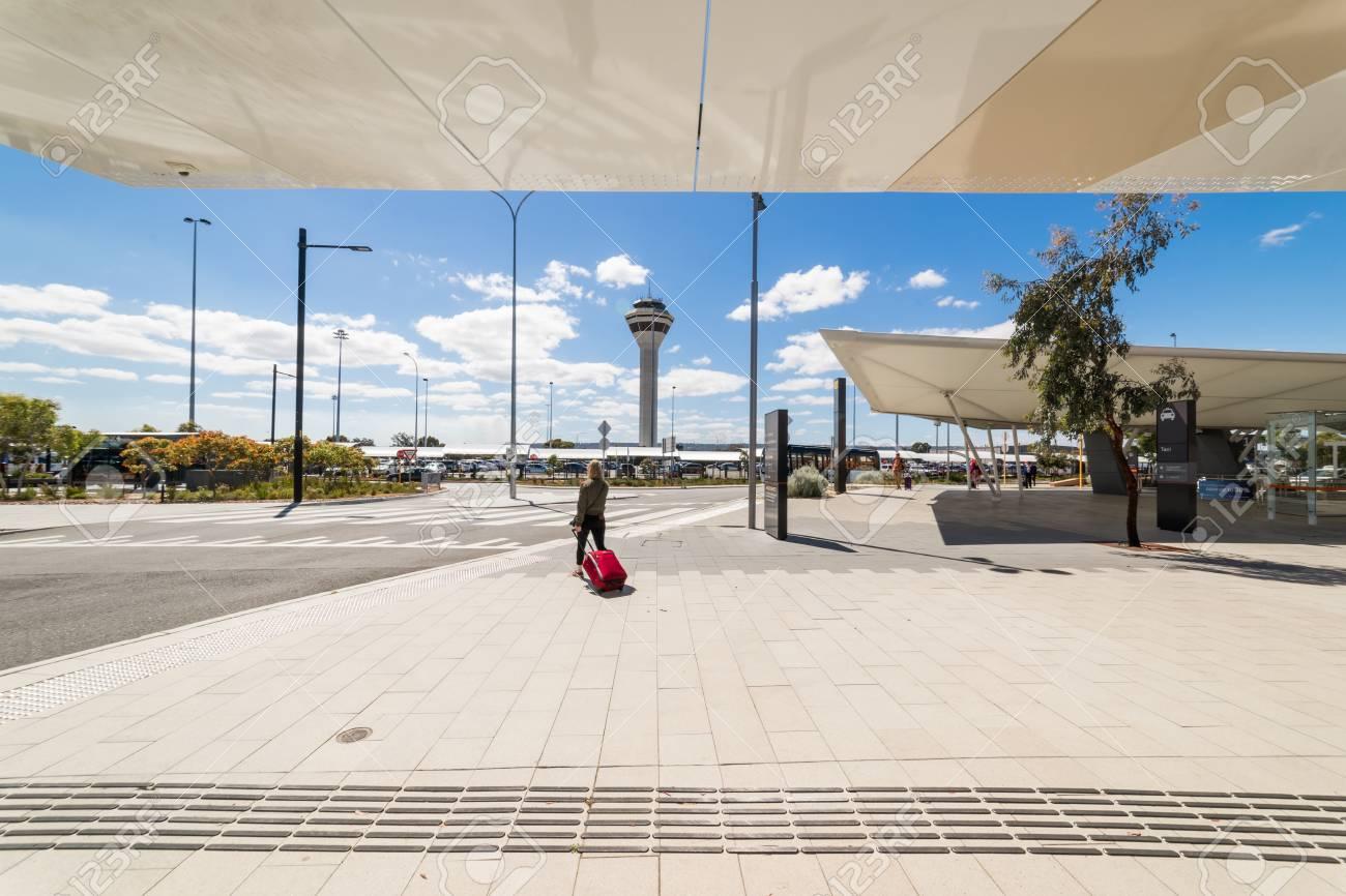 PERTH, Australien - November 4,2016: Modernes Äußeres Am Perth ...