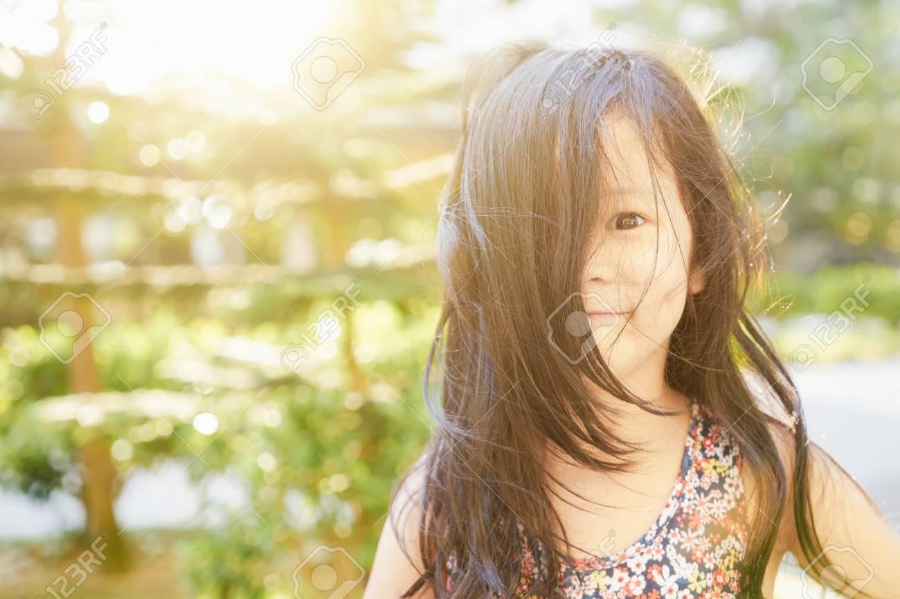 junge kleine asiatische