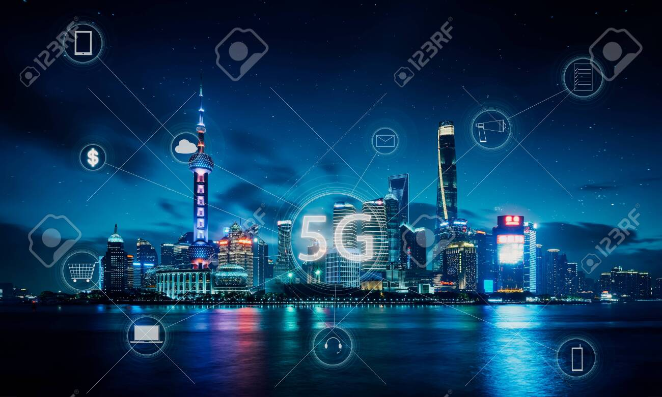 Modern city with smart 5G wireless communication network concept . - 129496463