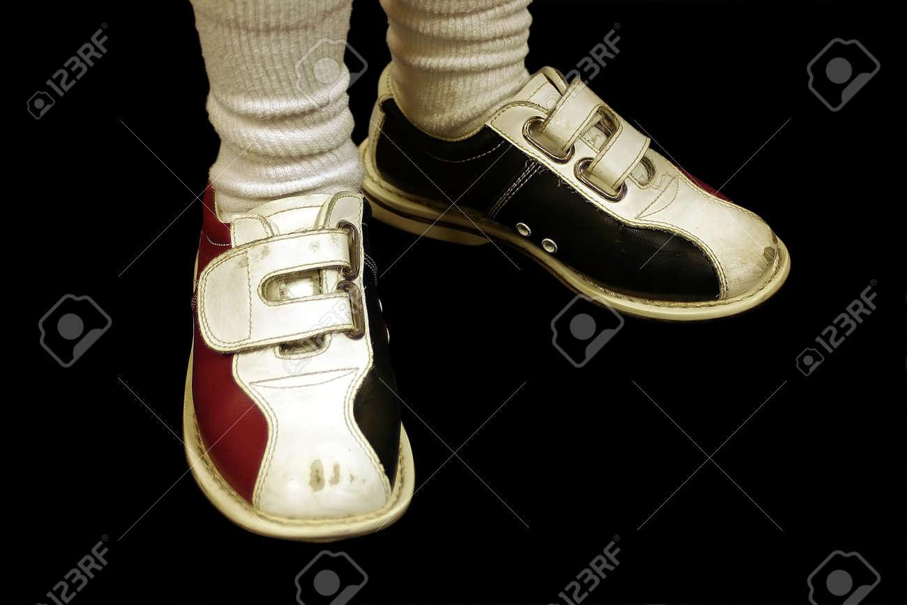 Des Portant Bowling Isolé Chaussures Enfant De Un LqUpVGSzM