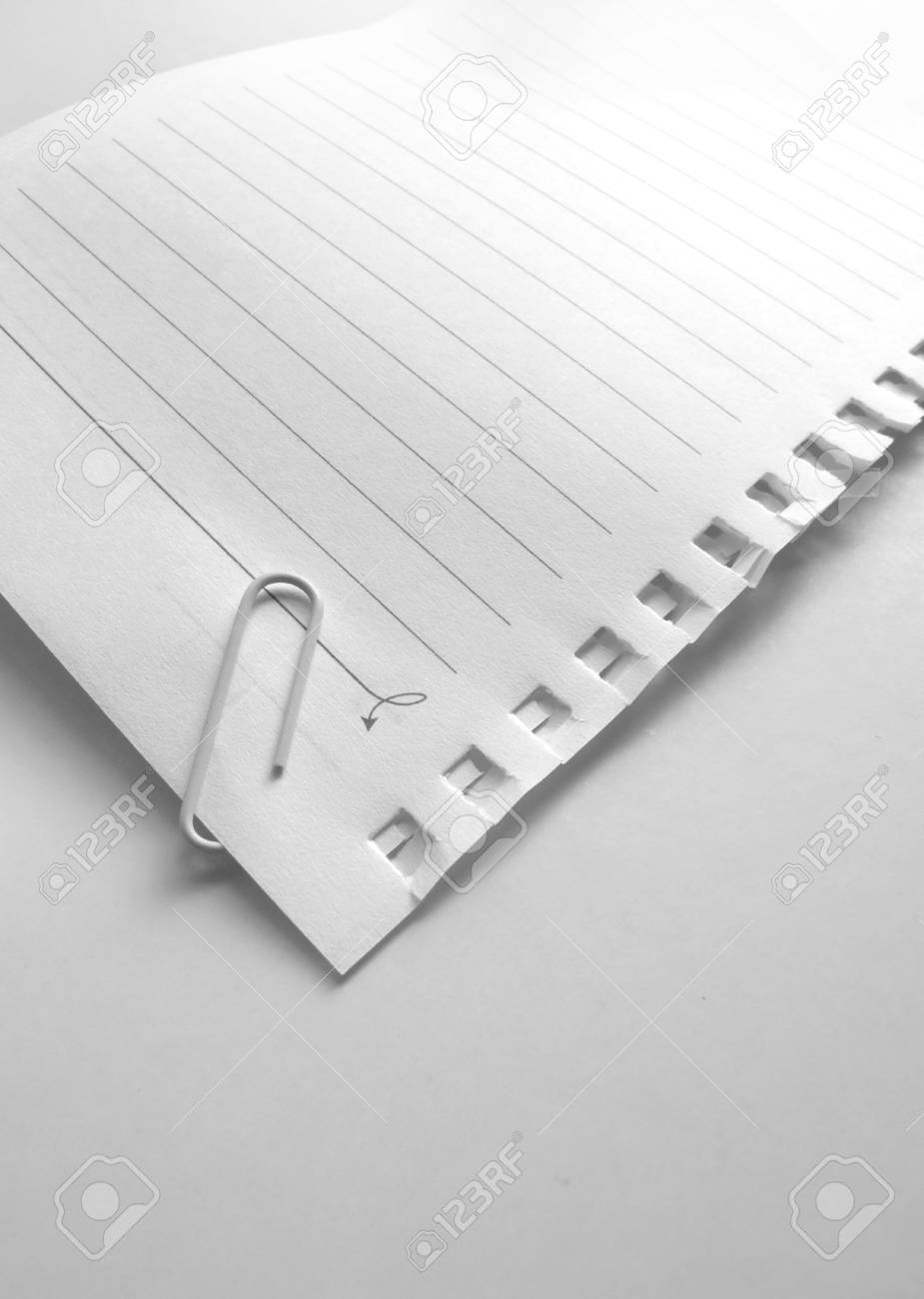 Note paper on gradient background Stock Photo - 6312445
