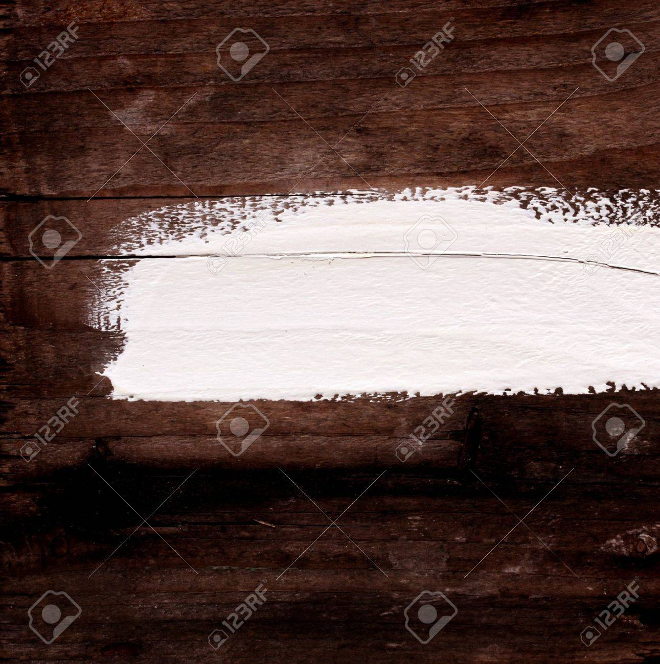 Close up of wood with brush lines - 7584756